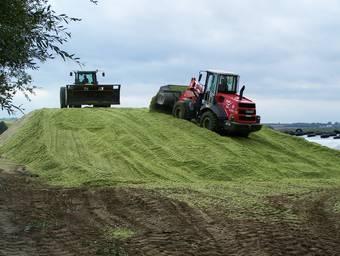 Приготовление ферментированных кормов с использованием «Эмикс минеральный концентрат» и «ВетЭМ»